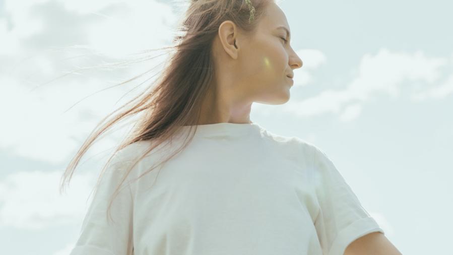 純淨清爽維生素B3,為你打造夏季的光感裸肌