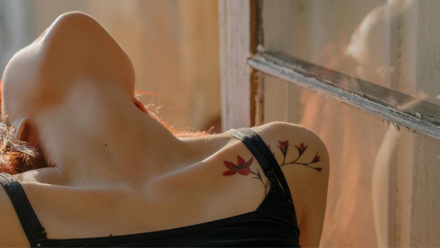 頸紋洩漏年齡秘密…擁有平滑「天鵝頸」讓你看起來超年輕!